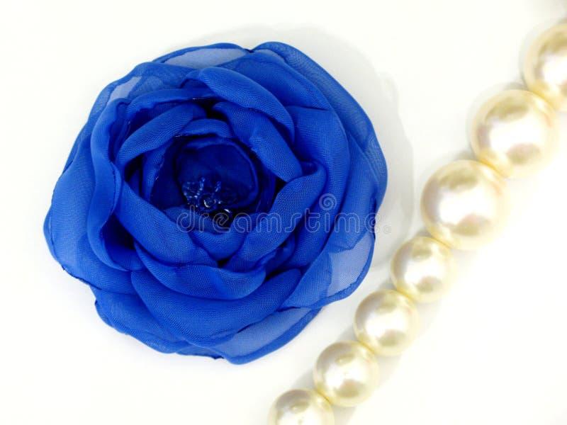Blaue Blume vom handgemachten Gewebe stockfotos
