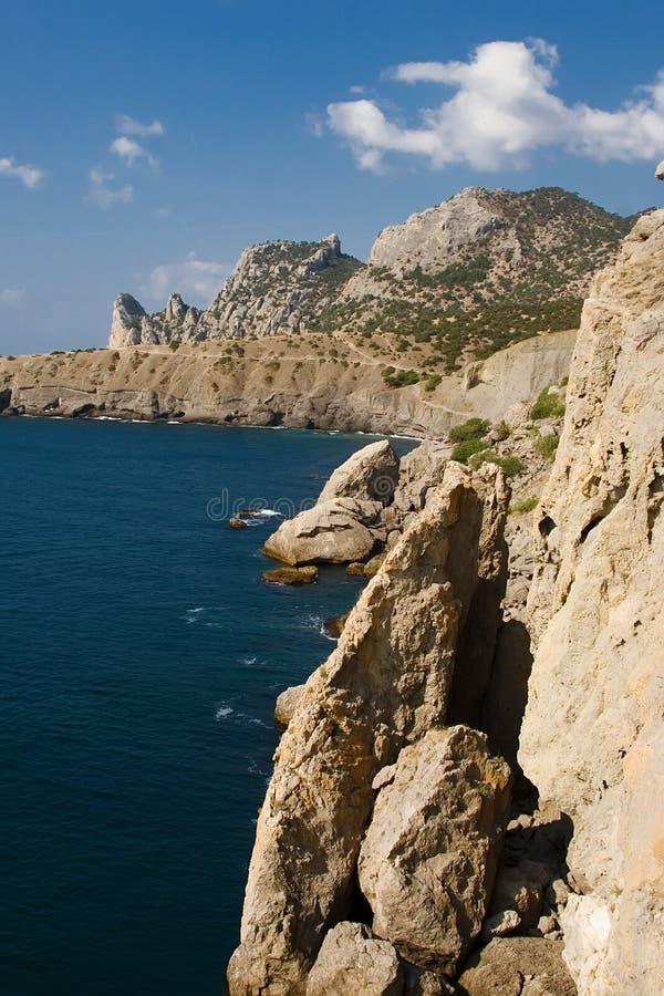 Blaue Bucht und Meerblick schleppen Golitsyn, Markstein Krim, neue Welt stockbild