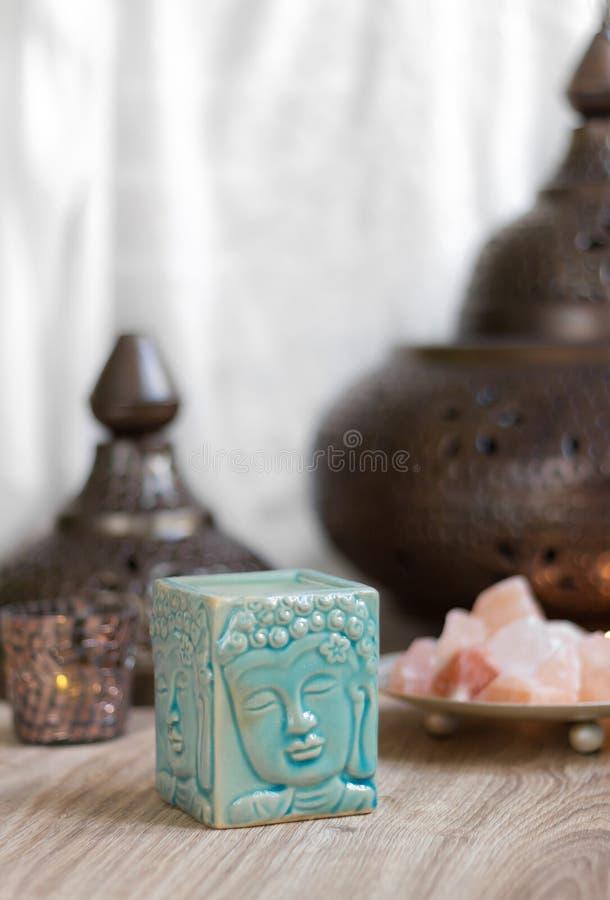 Blaue Buddha-Aroma-Lampe lizenzfreies stockfoto