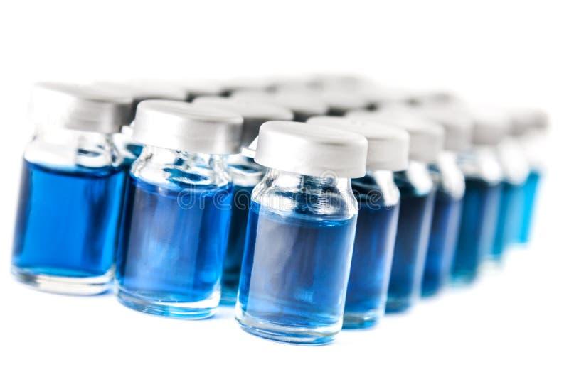 Blaue Chemikalien lizenzfreies stockbild