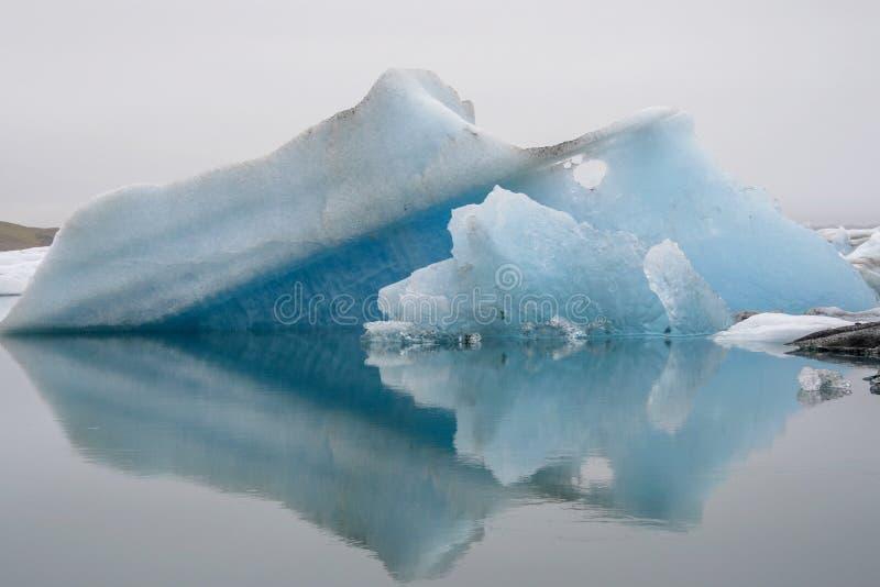 Blaue Eisberge stockbilder