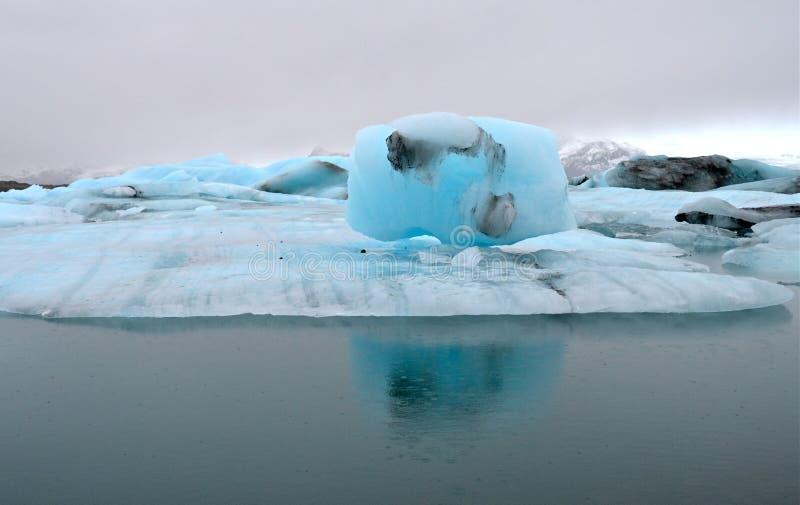 Blaue Eisberge, Jokulsarlon-Lagune, Island. lizenzfreies stockbild