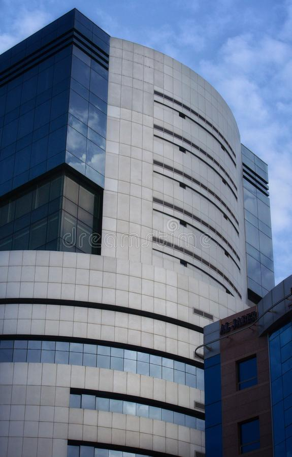 Blaue Gebäude in Doha stockfotografie
