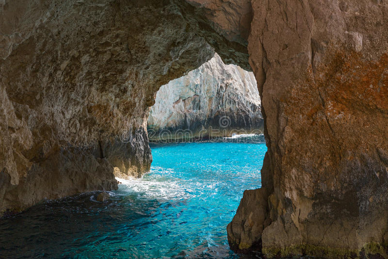 Blaue Höhlen auf Zakinthos stockfotografie