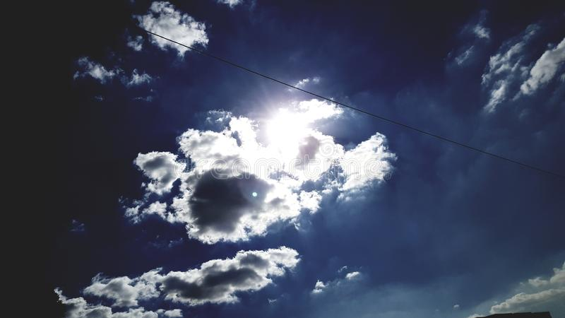 Blaue Himmel lizenzfreie stockfotos