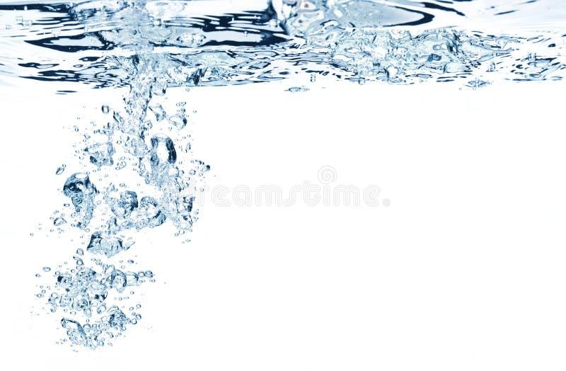 Blaue Luftblasen im Wasser stockfotografie