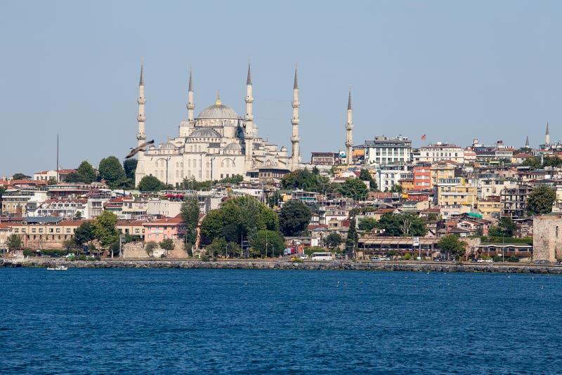Blaue Moschee und Istanbul, Ansicht von Bosphorus-Straße Die Türkei stockbilder