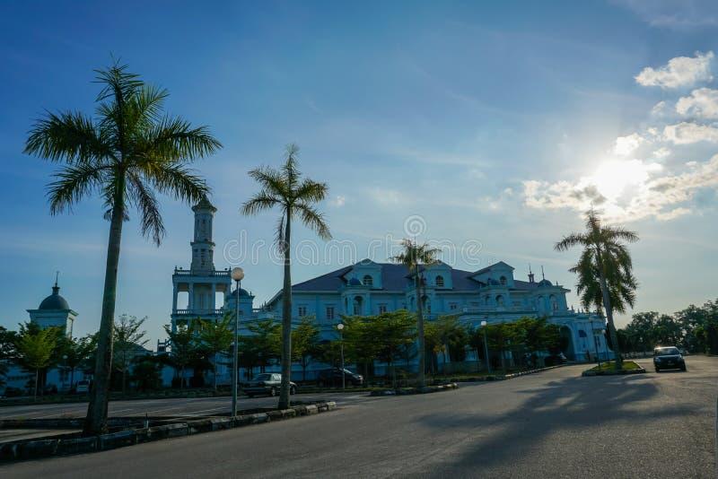 Blaue Moschee von Sultan Ismail Mosque fand in Muar, Johor, Malaysia Die Architektur ist schwer Einflüsse der Westart und lizenzfreie stockfotografie