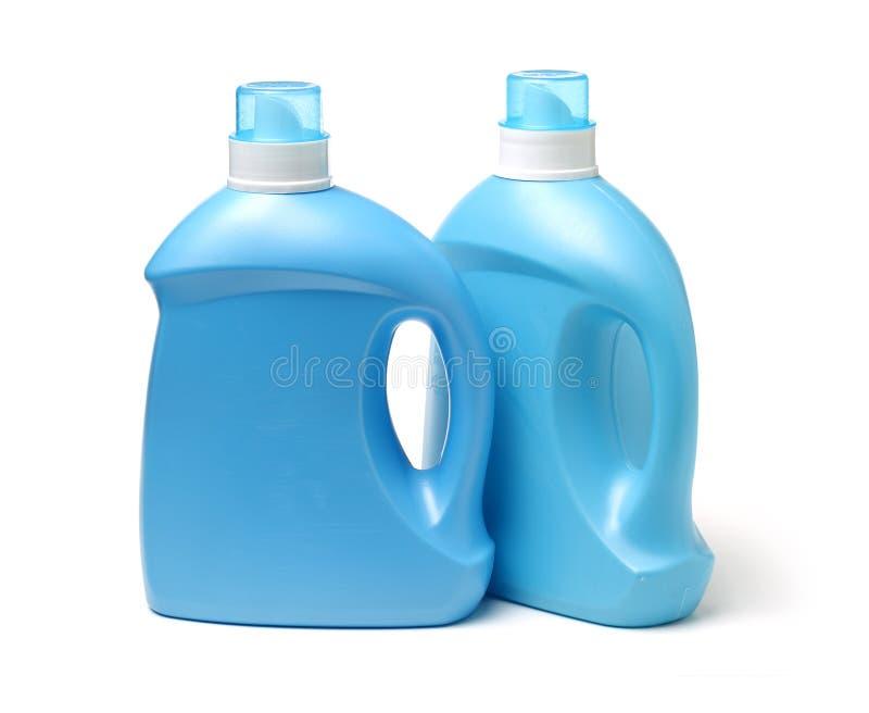 Blaue Plastikflasche des flüssigen Reinigungsmittels Wäschereibehälter, Warenschablone lizenzfreie stockfotografie