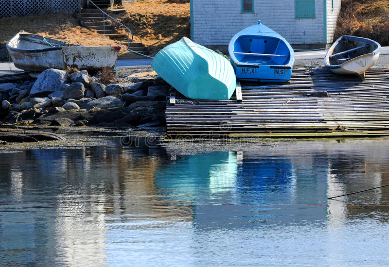 Blaue Ruderboote lizenzfreies stockbild