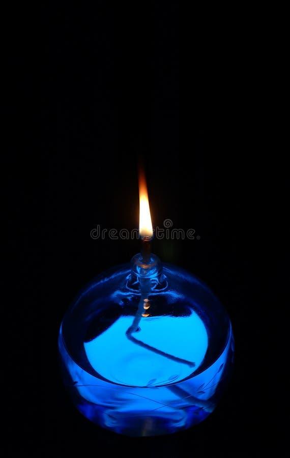Blaue Schmieröl-Kerze stockfotografie