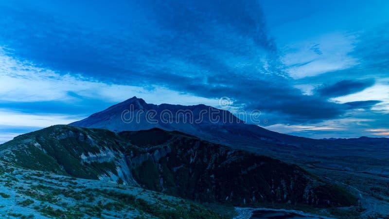 Blaue Stunde Mt St. Helens stockbilder