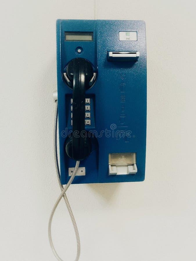 Blaue Telefontelefonanrufkommunikationen stockfotos