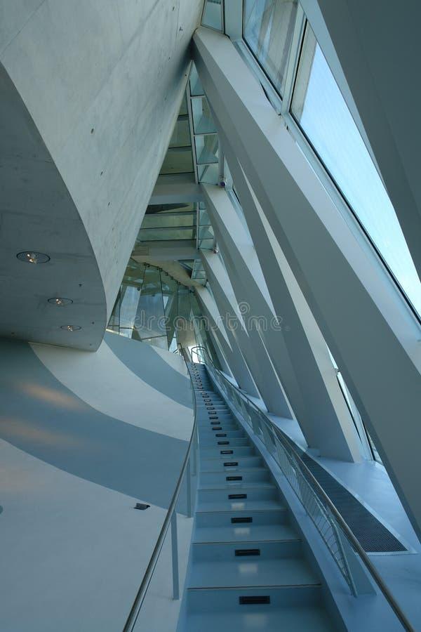 Blaue Treppen oben stockbild