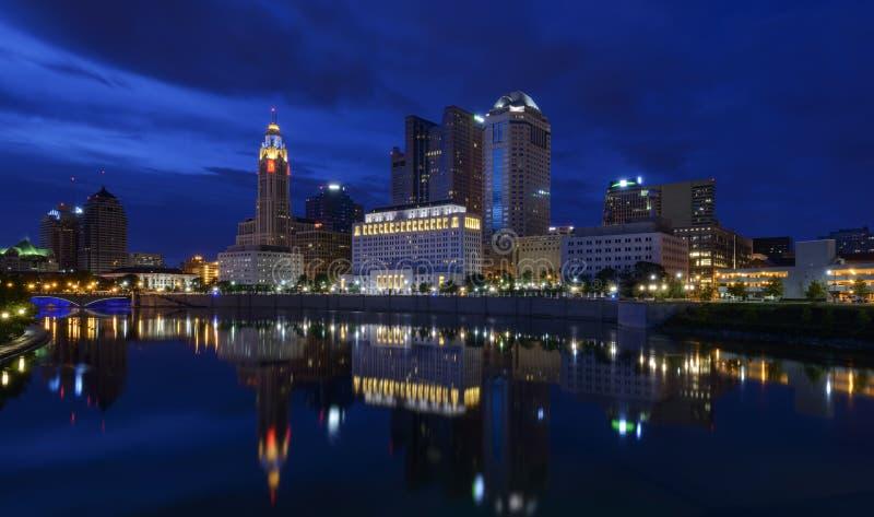 Blauer Abend in Columbus lizenzfreie stockfotos