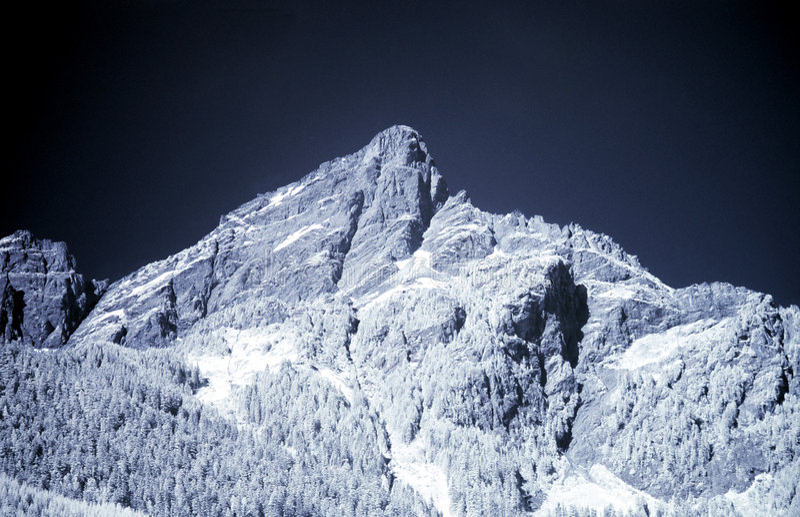 Blauer Berg lizenzfreies stockbild
