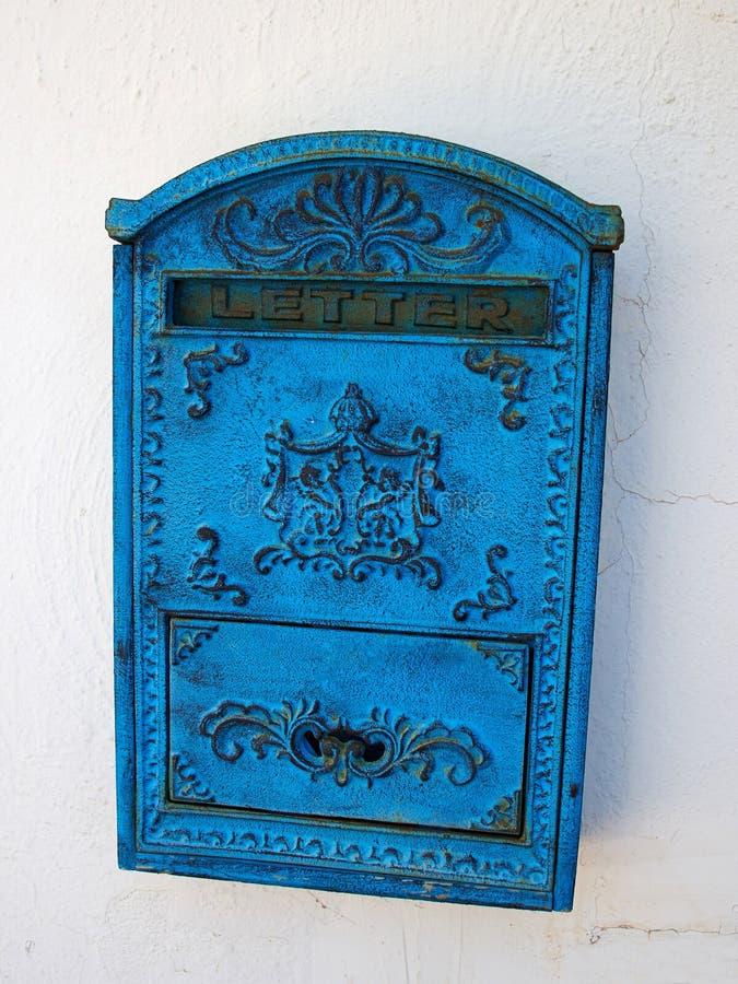 Blauer Briefkasten