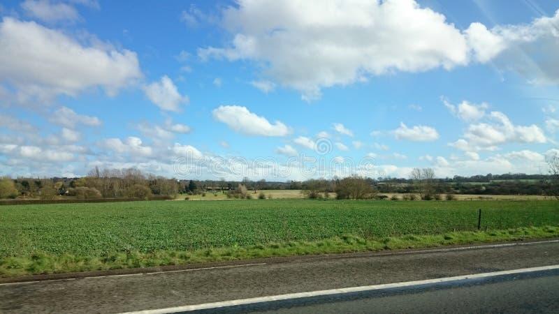 Blauer Himmel für Hintergrundtapetenbild stockbild