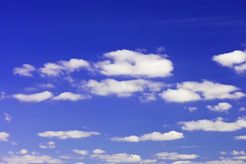 Blauer Himmel und Wolken stockfoto
