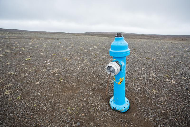 Blauer Hydrant lizenzfreies stockbild