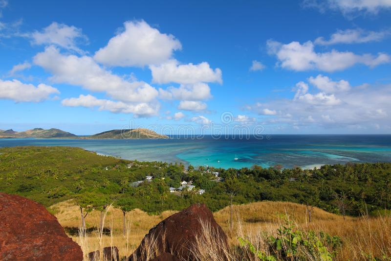 Blauer Lagunen-Strand in der Insel von Nacula, Yasawa, Fidschi lizenzfreie stockfotografie