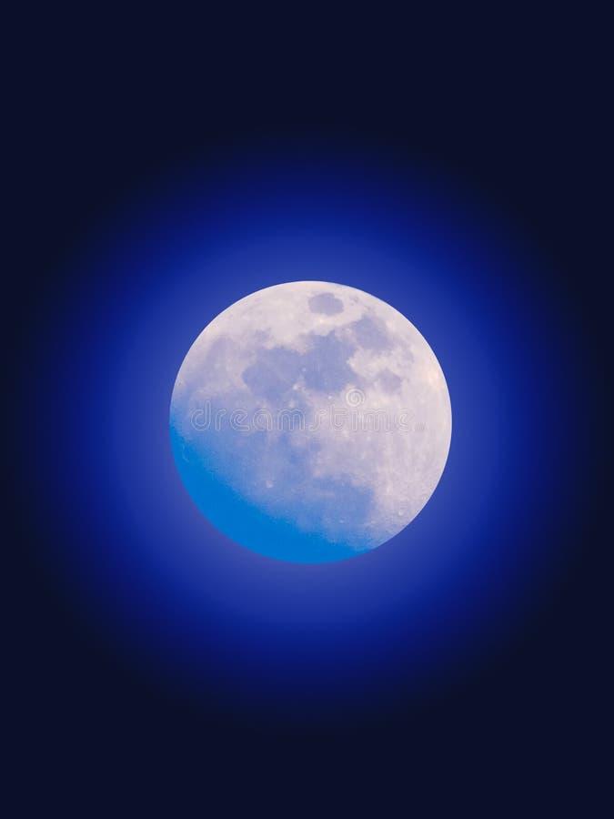 Blauer Mond-Glühen lizenzfreie stockfotos