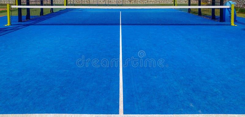 Blauer padel Tennisplatz lizenzfreies stockbild