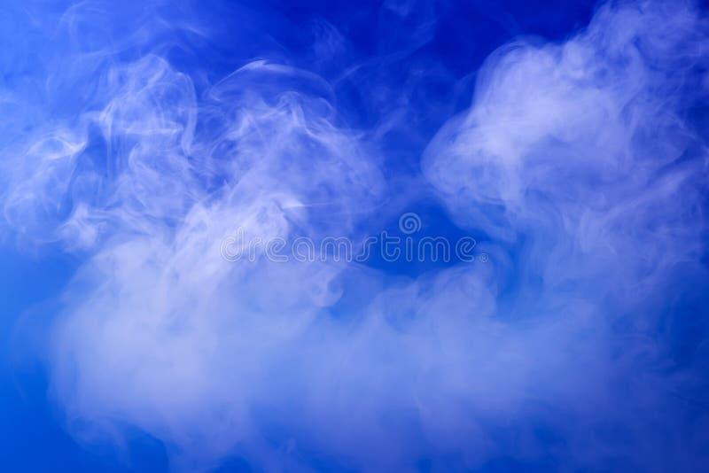 Blauer Rauch stockfoto
