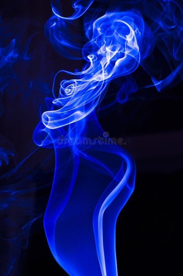 Blauer Rauch lizenzfreies stockfoto