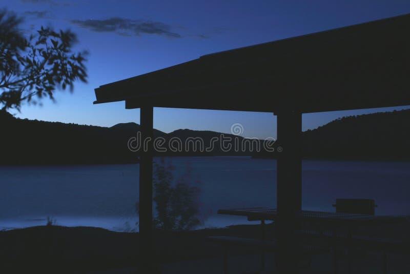 Download Blauer See stockbild. Bild von nacht, blau, auszüge, farbe - 27309
