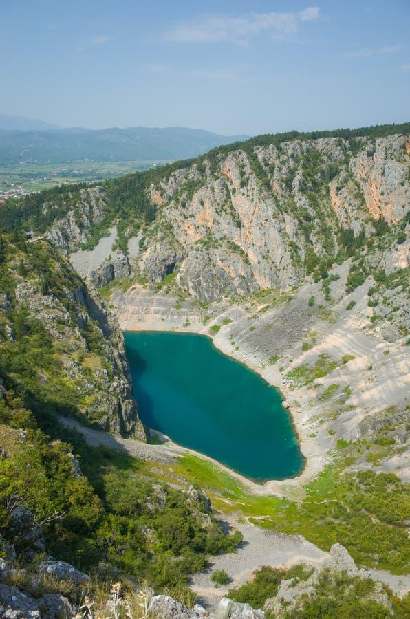 Blauer See Imotski Kroatien stockfotos