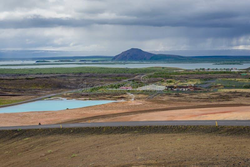 Blauer See in Reykjahlid lizenzfreies stockbild