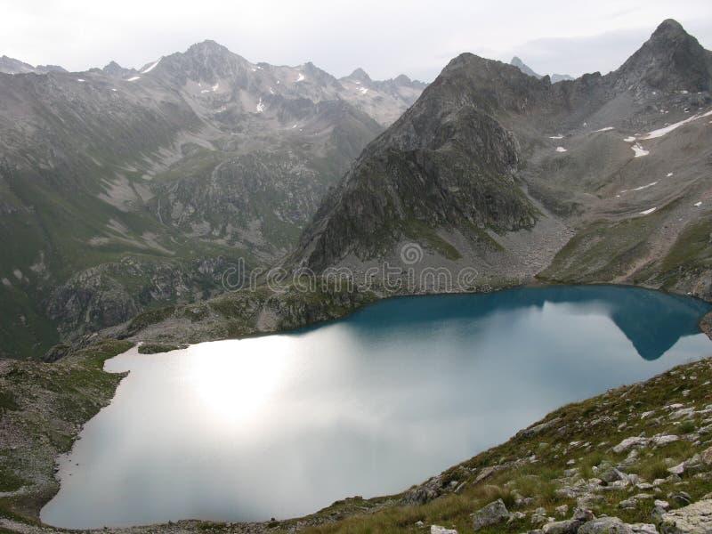 Blauer See von Murudzhu stockbild