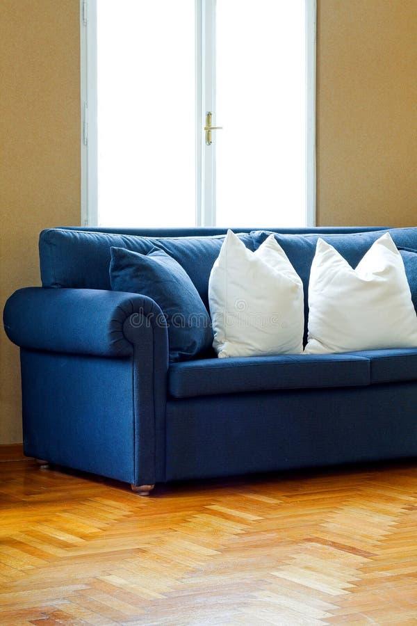 Blauer Sofawinkel stockbild