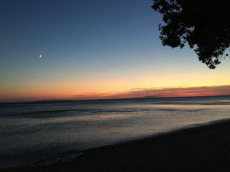 Blauer Sonnenuntergang stockbild