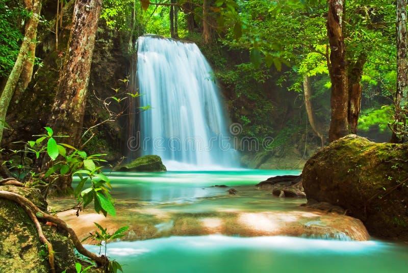 Blauer Stromwasserfall lizenzfreie stockfotos