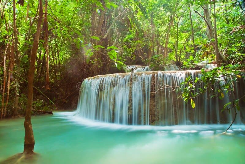 Blauer Stromwasserfall stockfotos