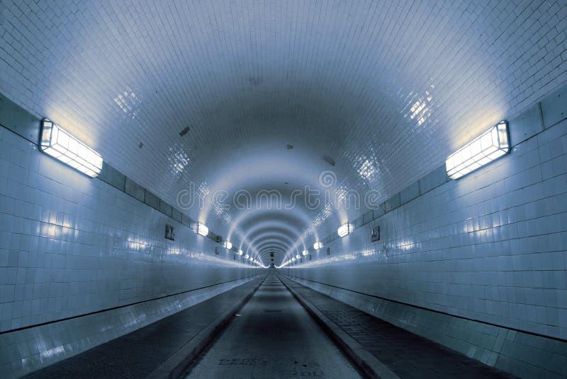 Blauer Tunnel lizenzfreie stockbilder