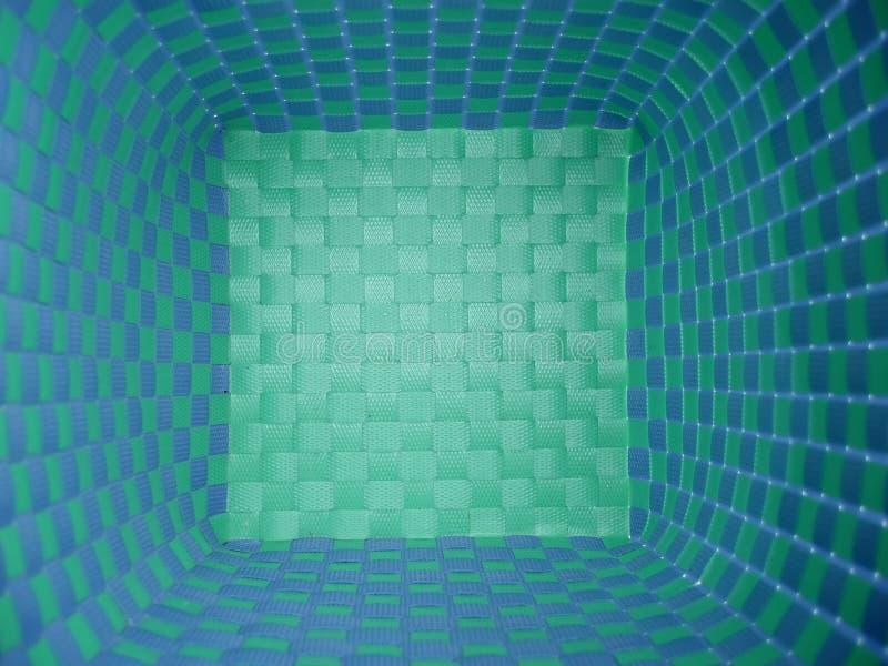 Blauer und grüner Korb lizenzfreie stockfotografie