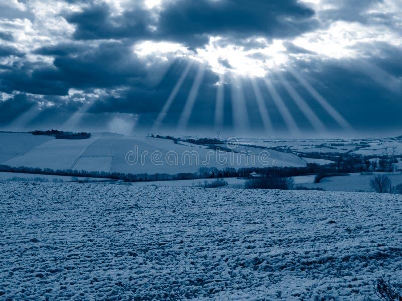 Blauer Winter szenisch stockbilder