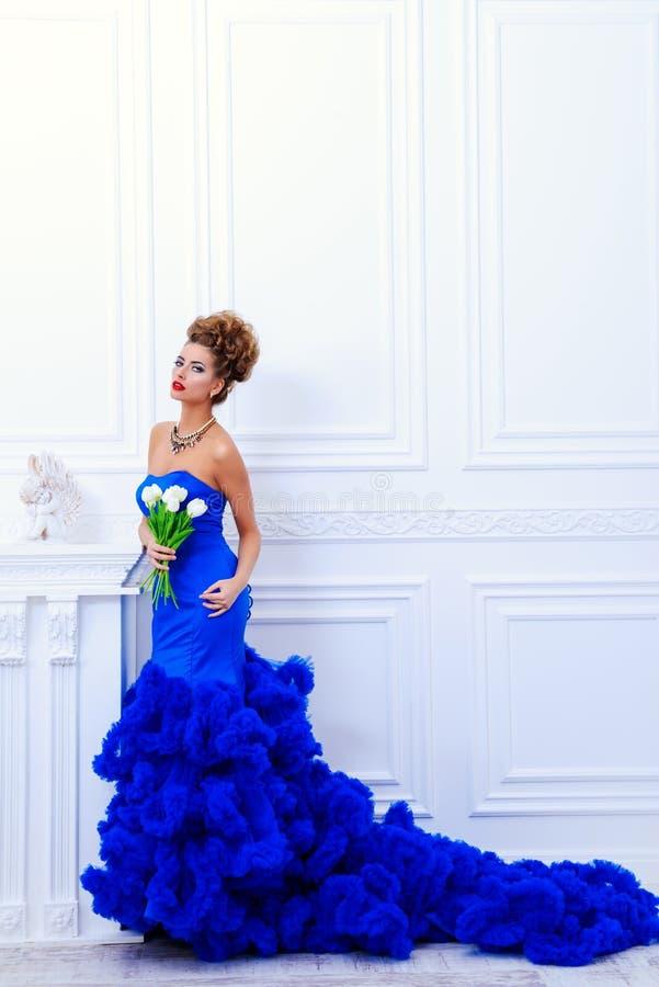 Blaues Abendkleid lizenzfreies stockfoto