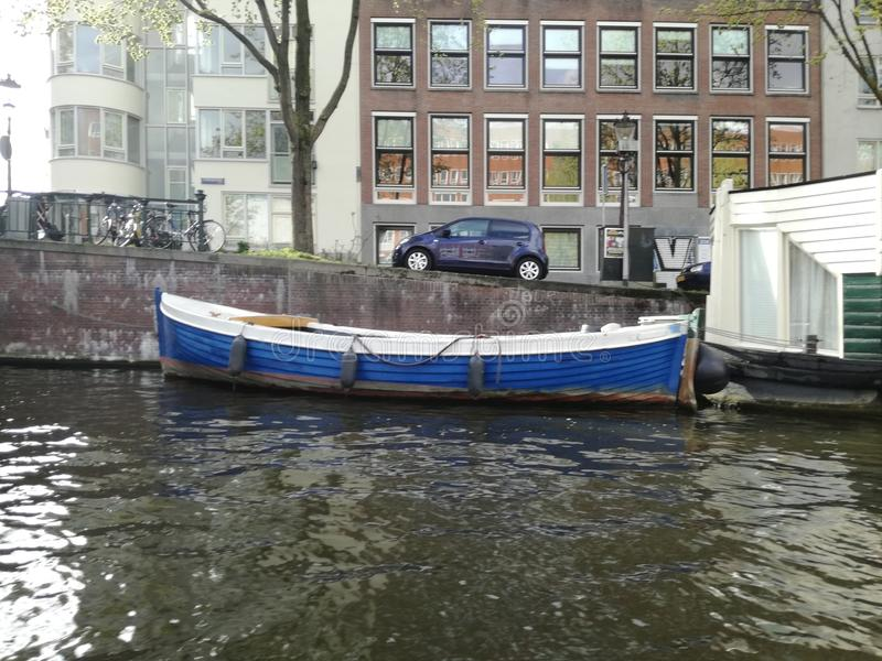 Blaues Boot stockbilder
