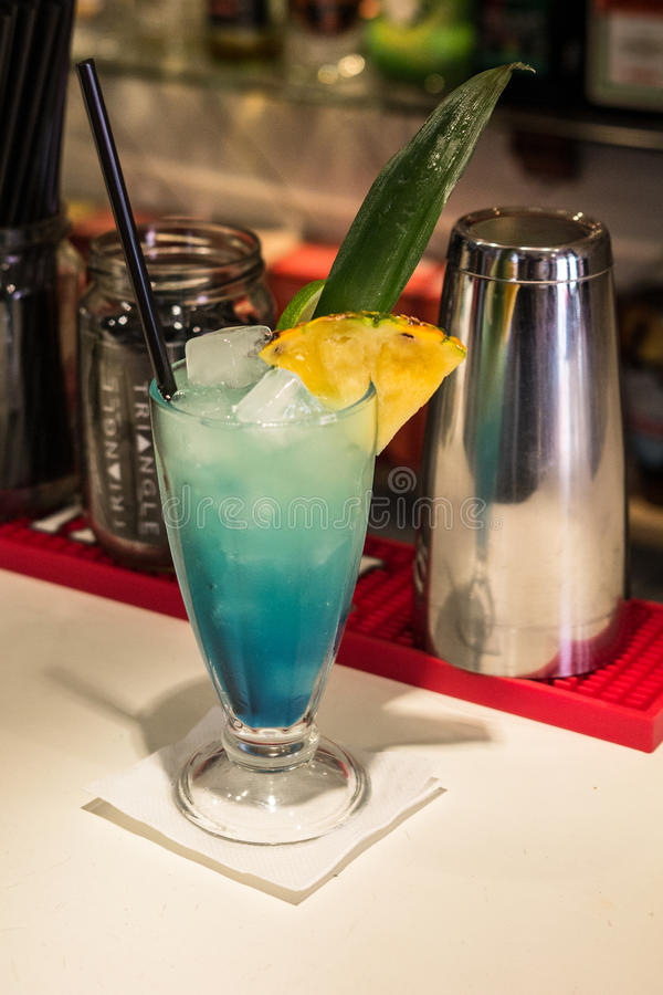 Blaues Cocktail lizenzfreies stockfoto
