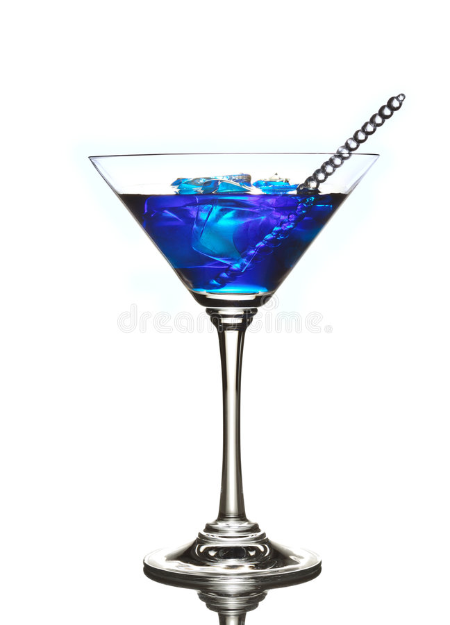 Blaues Curaçao-Cocktailgetränk lizenzfreie stockfotos