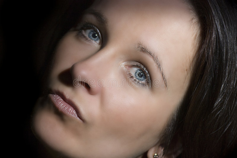 Blaues gemustertes Frauenportrait lizenzfreies stockbild