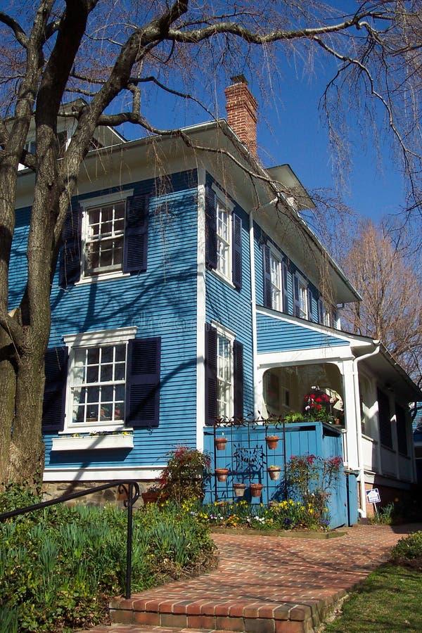 Blaues Häuschen Stockfotografie