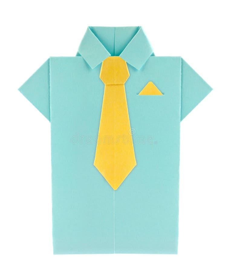 Blaues Hemd mit gelber Bindung und Schal des Origamis stockfoto