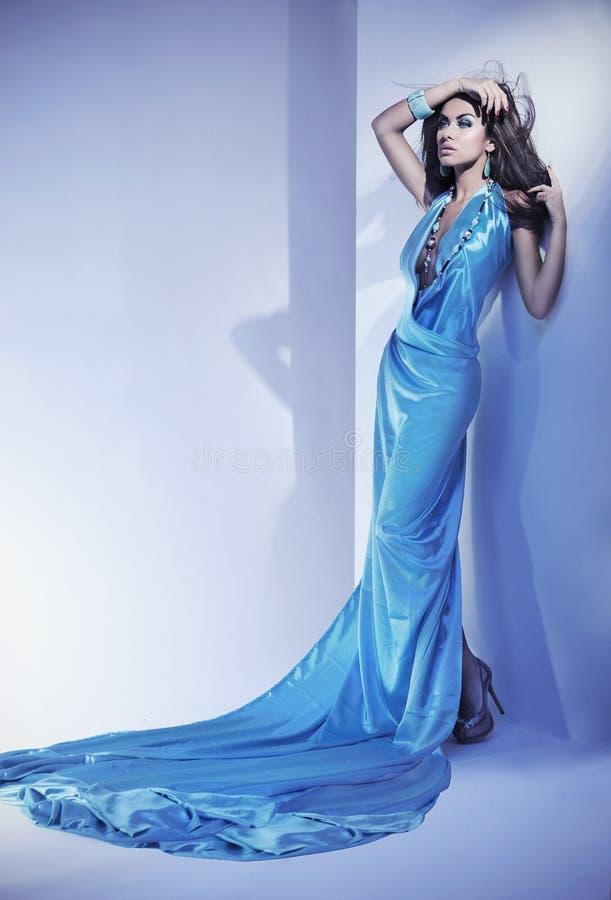 blaues Kleid stockbilder