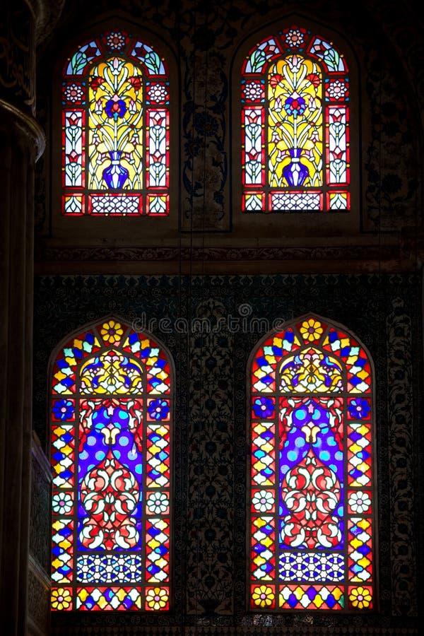 Blaues Moschee-Buntglas Windows stockbild