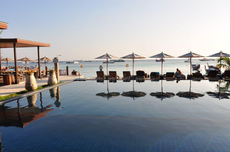 blaues Ozeanluxus-resort stockbilder